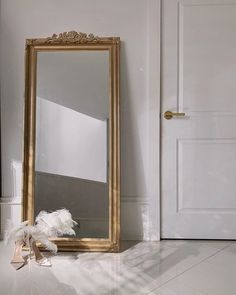 went so far as to DIY a gold mirror with embellishments and detailing to get on the trend. Full Length Mirror Gold, Gold Floor Mirror, Full Length Mirror In Bedroom, Full Body Mirror, Floor Length Mirrors, Bedroom Mirror With Lights, Gold Mirrors, Mirror Room, Ikea Mirror