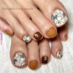 Make an original manicure for Valentine's Day - My Nails Pedicure Designs, Pedicure Nail Art, Toe Nail Designs, Toe Nail Art, Hair And Nails, My Nails, Feet Nail Design, Pretty Toe Nails, Feet Nails