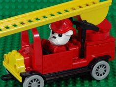 Fabuland Set 3638/3642 - FIRE ENGINE with Buster Bulldog