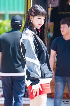 Extended Play, Kpop Girl Groups, Kpop Girls, The Girlfriends, Entertainment, G Friend, Kpop Outfits, Ulzzang, Asian Girl