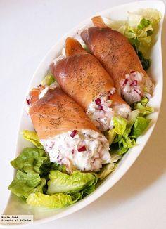 Receta de rollitos de salmón rellenos de queso. Fotografías con el paso a paso del proceso de elaboración. Sugerencia de presentación....