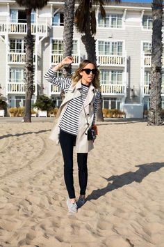 What better outfit to wear for a stroll along the beach than a pair of and a sleeveless coat for a touch of Casual Outfits, Fashion Outfits, Warm Weather Outfits, Classy And Fabulous, Fashion Lookbook, Spring Summer Fashion, Street Style, Style Inspiration, My Style