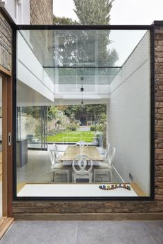 The Client wanted to open up the ground floor living spaces towards the garden, whilst embracing an existing courtyard in the middle of the floor plan.