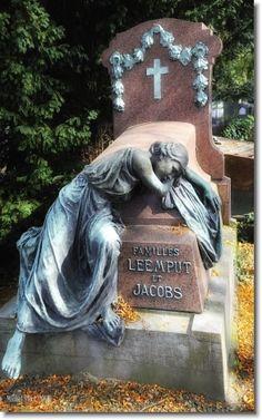 Cimetière de Laeken - Eternal Love