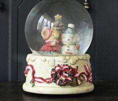 Vintage Snow Globe Music Box, San Francisco Music Box Company, Winter Wonderland, Porcelain, Christmas Holiday Decoration    Vintage Snow Globe
