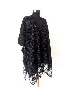 Classy and Casual Poncho  This Black Poncho is perfect for this season. (Winter, Fall and Printemps)   This acrylic knit poncho is a one size fits all item, keep you warm w... #kimono