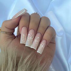 Bling Acrylic Nails, Acrylic Nails Coffin Short, Classy Acrylic Nails, Best Acrylic Nails, Acrylic Nail Designs, Minimalist Nails, Edgy Nails, Stylish Nails, Long Square Acrylic Nails