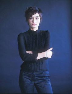 longer pixie-- Shannyn Sossamon I like this hair cut!