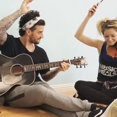 Here's #teamSTARK version of our week 1 song. Don't worry by @madconofficial  Check out our cha cha next Monday on #DWTS. @markballas