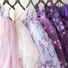 Yes, the topic is prom dresses! As you know that, prom time is approaching. Elegant Dresses, Pretty Dresses, Beautiful Dresses, Evening Dresses, Prom Dresses, Formal Dresses, Wedding Dresses, Long Dresses, Belted Dress