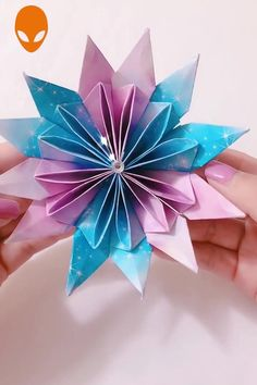 Creative Paper Craft Hacks~! – hacks and crafts Paper Origami Flowers, Origami 3d, Paper Flowers Craft, Paper Crafts Origami, Easy Paper Crafts, Origami Design, Diy Arts And Crafts, Flower Crafts, Creative Crafts