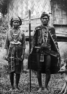 © Eduardo Masferre Gaddang couple wearing their best clothes pose in front of their house with wooven bamboo walls. Filipino Art, Filipino Culture, Filipino Tribal, Philippines Tattoo, Philippine Mythology, Philippines Culture, Filipina Beauty, Beauty Around The World, Asian History