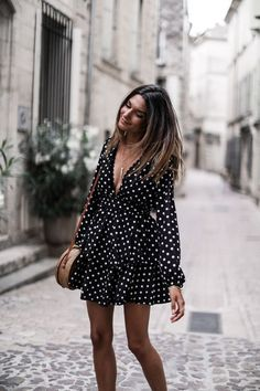 Little Polka Dot Dress Classy Outfits, Casual Outfits, Cute Dresses, Casual Dresses, Dress Outfits, Fashion Dresses, Modest Fashion, Mode Ootd, Inspiration Mode