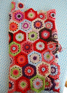 hexagon blanket-just pins to a picture of it...but look at that blanket?! crochet your heart out.