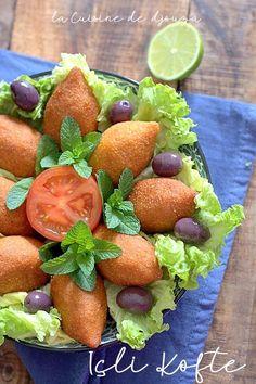 Boulettes de boulgour farcies, Içli Köfte | Cuisinez avec Djouza Iftar, Strawberry, Fruit, Food, Cook, Recipes, Picasa, Turkish Food Recipes, Turkish Cuisine