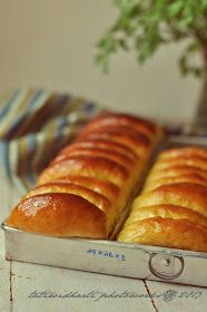 cooking is cool: Roti sisir kentang Roti Bread, Bread Bun, Bread Cake, Easy Bread, Bread Rolls, Soft Bread Recipe, Bread Recipes, Cooking Recipes, Burger Bread