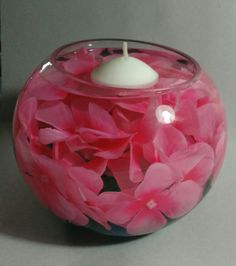 Centerpiece of flowers, water, candle Floating Candle Centerpieces, Floral Centerpieces, Floral Arrangements, Christmas Candle Decorations, Wedding Decorations, Water Candle, Rangoli Ideas, Creation Deco, Decorated Jars