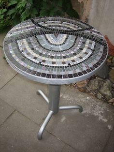 Tische - Mosaiktisch Gartentisch aus Mosaik  Schwarz-Weiss - ein Designerstück von GALIREST bei DaWanda