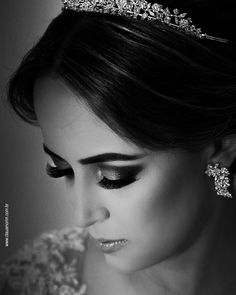 Lucília  Jóias @malcade por @suramabittencourt  http://ift.tt/1O9LVe0  #weddingphotography #weddingphotographer #casamento #bride #canon #clauamorim #claudiaamorim  #photooftheday #happiness #vestidodenoiva #fotodecasamento #fotografodecasamento #love #vestidadebranco #lapisdenoiva #yeswedding #bridetobride #bride2bride  #noivinhasdegoiania #casar #voucasar #noivas #noivasdobrasil #noivas2016 #inspirationphotographers #fineartassociation #fineartphotographers #noivas2017 #blackandwhite #p&b