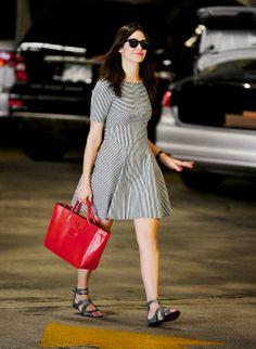 Cute tiny stripes dress with red handbag- Emmy Rossum street style