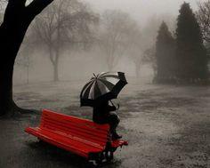 Quando existe amor entre duas pessoas,não importa o tempo,sempre vai doer em ambas as partes. Só que uma delas percebeu tarde demais o quanto a outra significava.