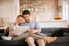 Feliz pareja  – fotografía de stock libre de derechos