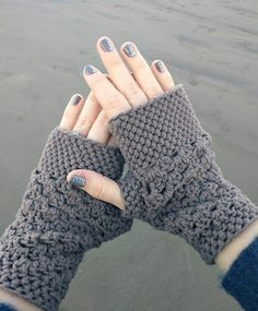 Cute and trendy fingerless gloves ... FREE crochet pattern too! ... Featured on Hookin' on Hump Day