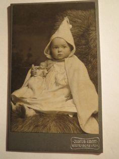 Greifenberg in Pommern - kleines Kind - Baby - Umhang Zipfelmütze - Puppe / CDV | eBay