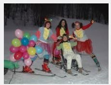 2014 - CARNEVALE - March 1, in Asiago, Kaberlaba, Via Treviso 4, about 34 north of Vicenza ; from 2 p.m., in the ski slope, masked groups will ski down the slopes competing to win the Kopa Karrucola award; at 9 p.m. fireworks