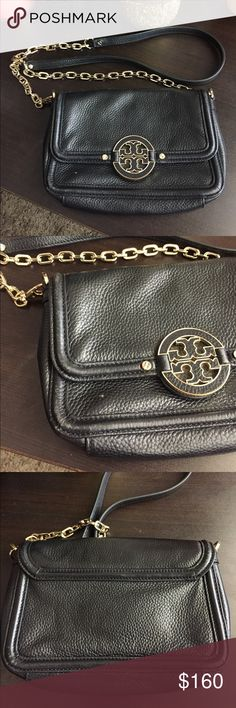 """Tory Burch Amanda Crossbody Excellent used condition. Very small nail polish mark that's literally the size of a pencil mark. Fits a small wallet and has slots for credit cards. There's also more chain than most other Amanda Crossbodys instead of mostly leather. 8"""" x 5.25"""" x 1"""". Shoulder drop is 21"""". DO NOT ASK TO TRADE. Tory Burch Bags Crossbody Bags"""