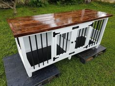 Great Cost-Free Wooden pallets made doghouse with rebars Ideas The usage of a . Great Cost-Free Wooden pallets made doghouse with rebars Ideas The usage of a dog kennel is defin