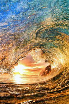 Glistening Wave