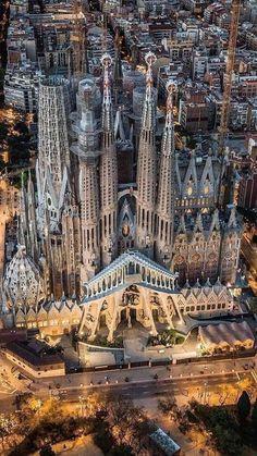 Beautiful birds eye view of the city of Barcelona, Spain & the Basilica de la Sagrada Familia! Beautiful Architecture, Beautiful Buildings, Art And Architecture, Beautiful Places, Beautiful Birds, Places To Travel, Places To Visit, Antonio Gaudi, Barcelona Travel