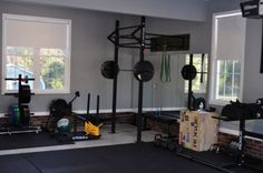Excellent garage gym. Super clean and well equipped