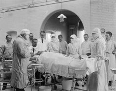 An operating theatre at the Royal Naval Hospital, Chatham. WWI. © IWM (Q 18932)