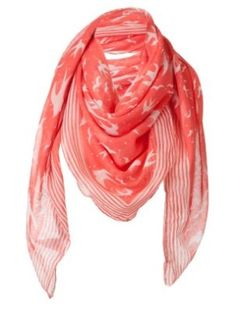 scarves doubled as a sash so Juliet can wear it and look good and Romeo and wear it and also look good.