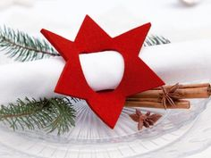 Für den Weihnachtstisch: Serviettenring aus Filz von Hey-Sign