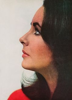 Elizabeth Taylor by William Klein, Vogue, 1965 Hollywood Stars, Classic Hollywood, Old Hollywood, Burton And Taylor, Classical Hollywood Cinema, William Klein, Violet Eyes, Actrices Hollywood, Elisabeth