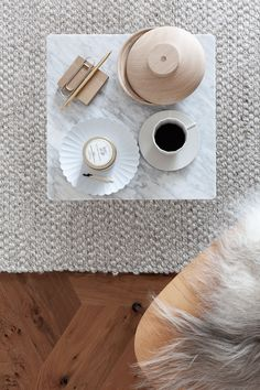 Wooden Galaxy Oak - From Kristina Dam Studio Flat Lay Photography, Coffee Photography, Coffee Table Books, Coffee Cups, Interior Design Tips, Interior Inspiration, How To Make Drinks, Inviting Home, Studio Room