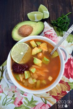 Sure, chicken is probably already your go-to protein. So kick it up a notch with this Caldo Tlalpeño Recipe Mexican Food Recipes, Soup Recipes, Chicken Recipes, Cooking Recipes, Healthy Recipes, Recipies, I Love Food, Good Food, Yummy Food