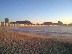Praia de Copacabana ao amanhecer - Copacabana beach at dawn - Foto - Photo - GOJ