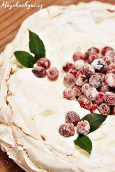 Sněhový vánoční věnec s brusinkami ala Pavlova | Pavlova Christmas wreath with cranberries