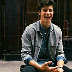 His smile 😍😍❤
