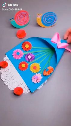 Paper Flowers Craft, Paper Crafts Origami, Paper Crafts For Kids, Craft Activities For Kids, Flower Crafts, Preschool Crafts, Diy Paper, Fun Crafts, Mothers Day Crafts For Kids