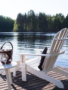 Mökkikausi korkattu | Adirondack chair