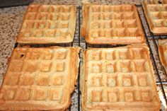 Protein packed and healthy whey protein waffles, that you can make ahead and pop in the toaster from the freezer like Eggo's!