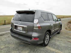 2014 Lexus GX460 rear 3/4 view