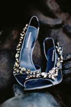 Blue crystal bridal heels | photography by http://www.blogjerry.com/  #wedding #weddingshoes