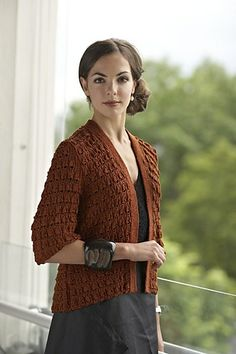 Ravelry: Klokker i Klassisk Jakke pattern by Linda Marveng. Photo: Kim Müller Model: Francesca Golfetto