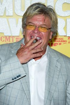 Comic Ron White ready to rock Cleveland